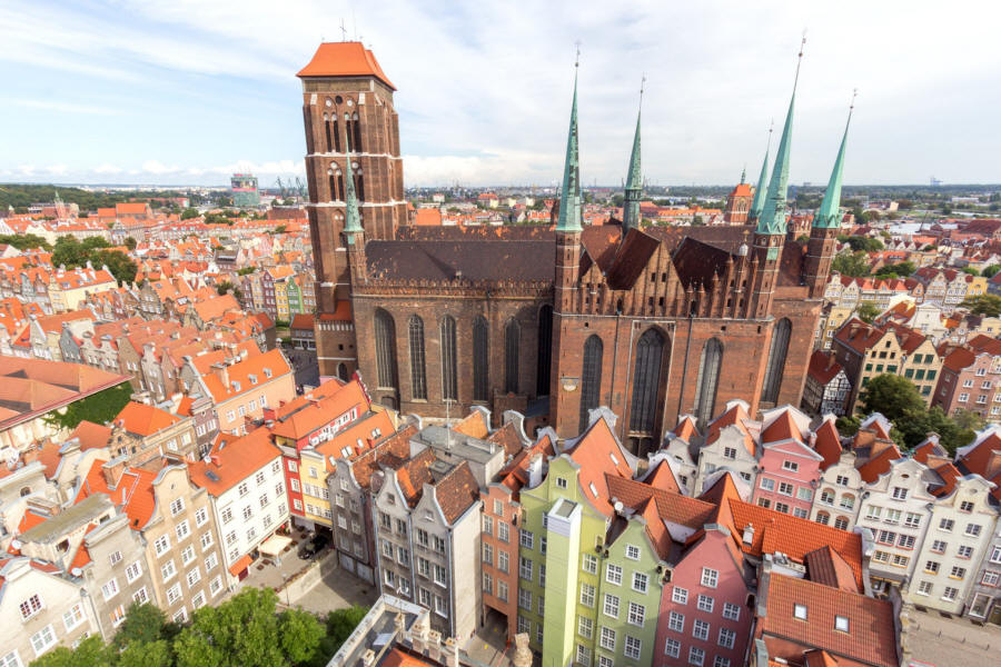 a focus on the city of gdansk in northern poland It's a major focus point for all the trade in the baltic sea area,since medieval times to this why is gdansk important gdansk is a city in northern poland.
